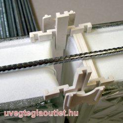 Üvegtégla távtartó-fugakereszt 80x16mm